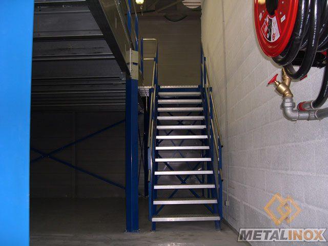 Escalier droit pour accès plateforme - Bâtiments & Sécurisation d'espaces - METALINOX