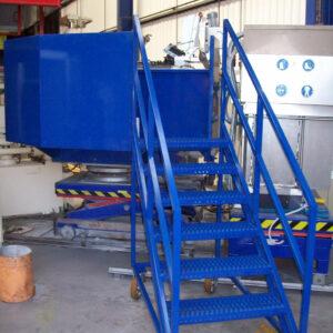 Escalier mobile avec plateforme d'accès - Mobilier & Aménagement industriel - METALINOX