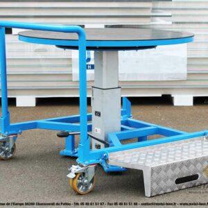 Table élévatrice rotative à pompe à pied + marche-pieds - 1 - METALINOX